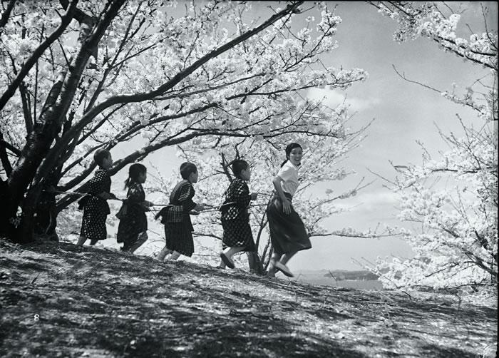 Twenty Four Eyes / Nijushino Hitomi